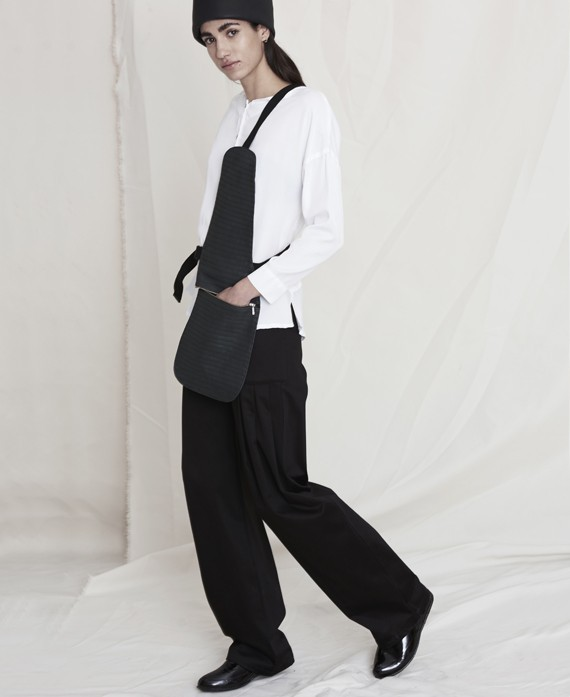 Basic trousers black